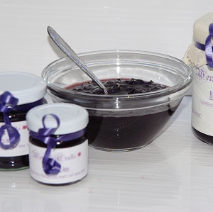 Bowl and small jars of Blackberry Jam