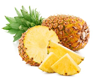 pineapples with slices for jam making